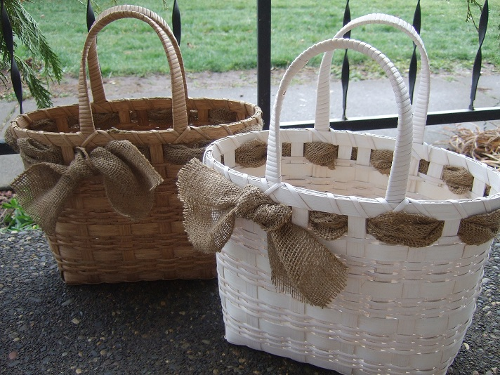 The White and Burlap Tote Basket  Weaving Pattern